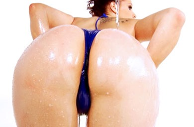 big-wet-asses-gianna-michels-gets-massaged